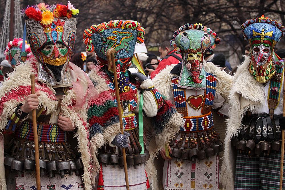 Новогодний карнавал в Болгарии